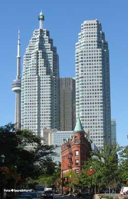 escursione a Toronto dalle Cascate del Niagara